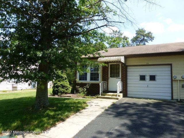 8a Deerfield Drive 8A, Whiting, NJ 08759 (MLS #21722392) :: The Dekanski Home Selling Team