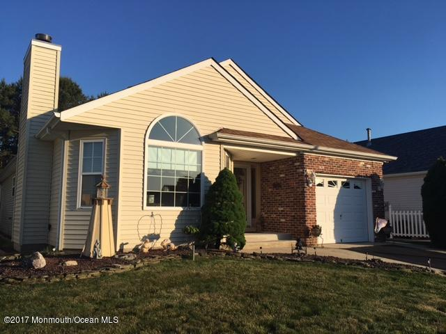 79 Woodstock Drive, Toms River, NJ 08757 (MLS #21722840) :: The Dekanski Home Selling Team