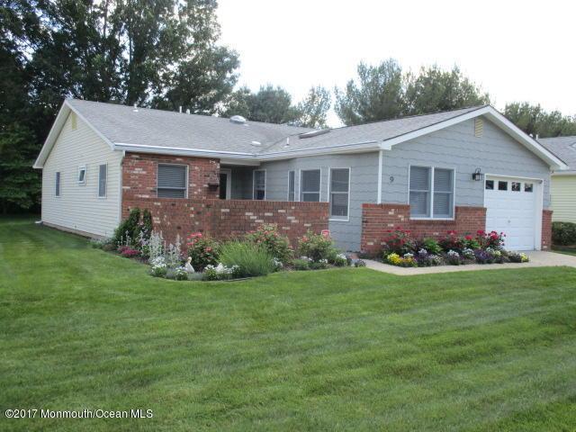9 Thames Place, Brick, NJ 08723 (MLS #21722842) :: The Dekanski Home Selling Team