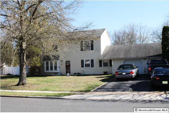 1312 Ventura Drive, Lakewood, NJ 08701 (MLS #21723417) :: The Dekanski Home Selling Team