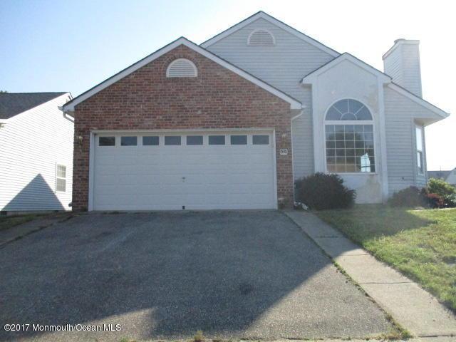 54 Stockport Drive, Toms River, NJ 08757 (MLS #21723429) :: The Dekanski Home Selling Team