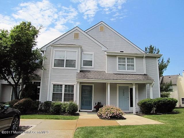 301 Towne Drive 9-1, Manalapan, NJ 07726 (MLS #21723537) :: The Dekanski Home Selling Team