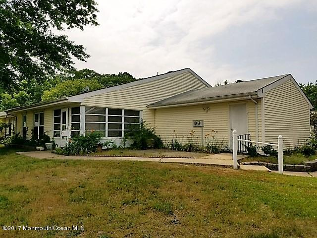 5 Petunia Drive D, Lakewood, NJ 08701 (MLS #21723567) :: The Dekanski Home Selling Team