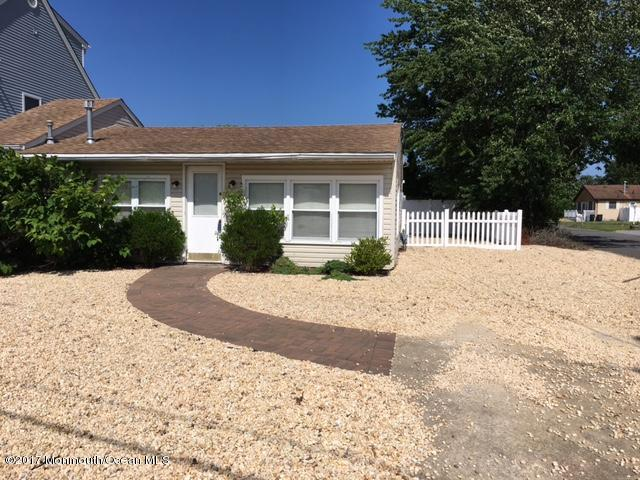 1007 Beach Boulevard, Forked River, NJ 08731 (MLS #21724439) :: The MEEHAN Group of RE/MAX New Beginnings Realty
