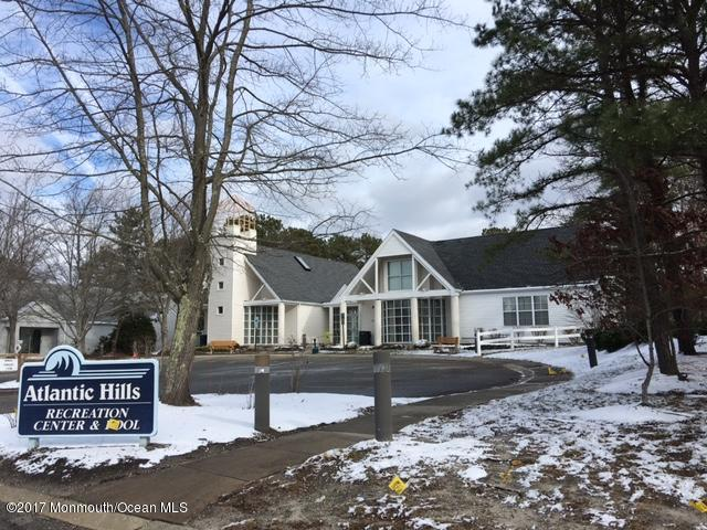 121 Longwood Drive, Manahawkin, NJ 08050 (MLS #21724506) :: The Dekanski Home Selling Team