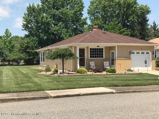 1 Troumaka Street, Toms River, NJ 08757 (MLS #21724686) :: The Dekanski Home Selling Team
