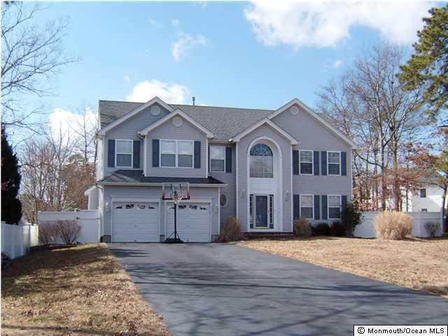 120 Tuna Court, Manahawkin, NJ 08050 (MLS #21725591) :: The Dekanski Home Selling Team