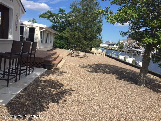 1837 Cable Drive, Toms River, NJ 08753 (MLS #21726532) :: The Dekanski Home Selling Team