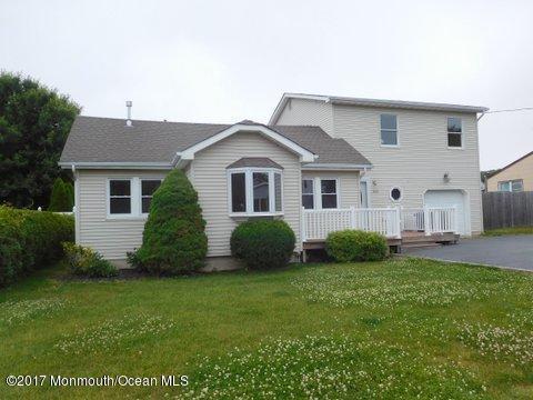 1806 Melville Street, Oakhurst, NJ 07755 (MLS #21727148) :: The Dekanski Home Selling Team