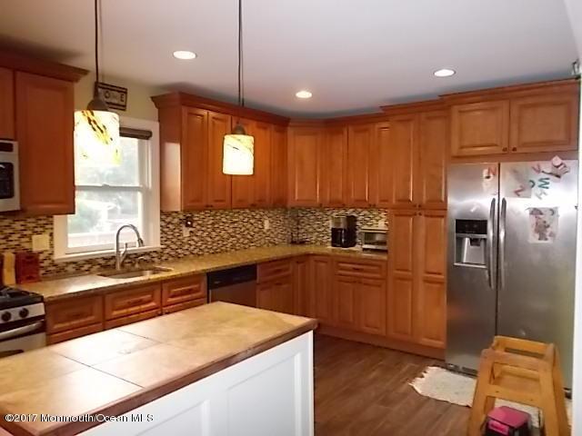 298 Emerald Drive, Brick, NJ 08723 (MLS #21727327) :: The Dekanski Home Selling Team