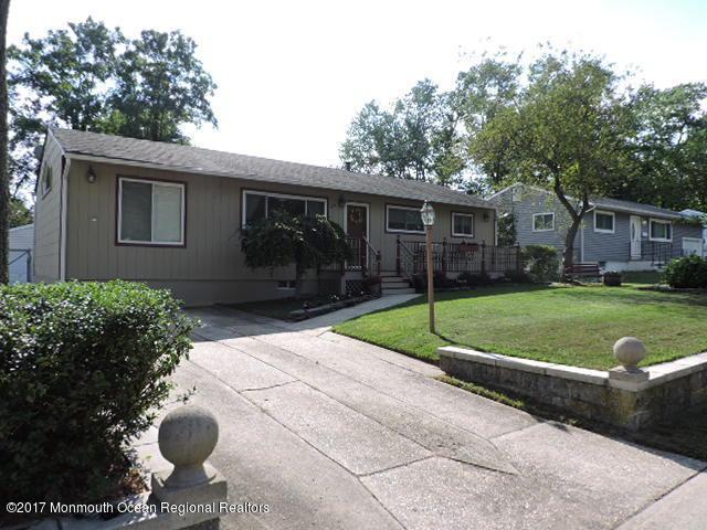 29 Tilton Avenue, South Toms River, NJ 08757 (MLS #21728288) :: The Dekanski Home Selling Team