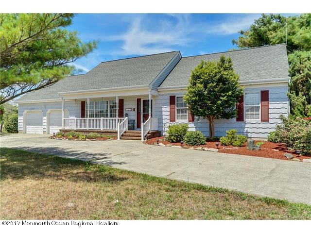 237 Bay Shore Drive, Barnegat, NJ 08005 (MLS #21728320) :: The Dekanski Home Selling Team