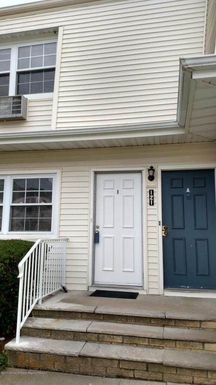 121 White Street B, Eatontown, NJ 07724 (MLS #21729537) :: The Dekanski Home Selling Team