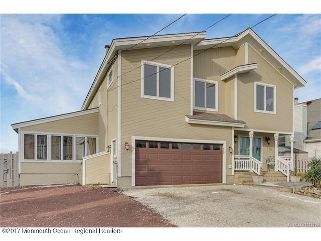 302 Bay Shore Drive, Barnegat, NJ 08005 (MLS #21730637) :: The Dekanski Home Selling Team