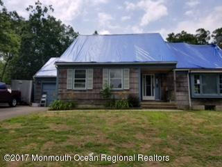 323 Suburban Drive, Toms River, NJ 08753 (MLS #21730750) :: The Dekanski Home Selling Team