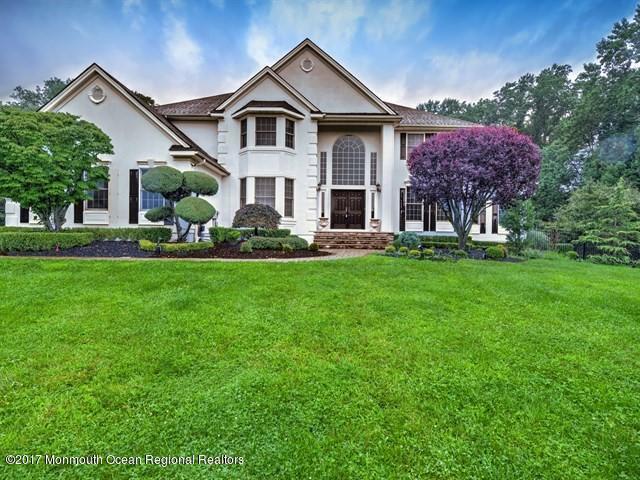 113 Laredo Drive, Morganville, NJ 07751 (MLS #21731026) :: The Dekanski Home Selling Team