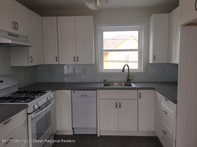 205 Johnson Road, Lavallette, NJ 08735 (MLS #21731918) :: The Dekanski Home Selling Team