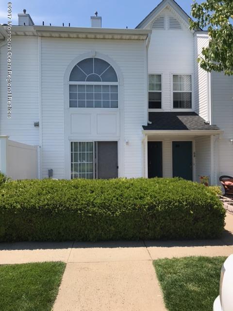 70 Madison Court, Tinton Falls, NJ 07712 (MLS #21731935) :: The Dekanski Home Selling Team