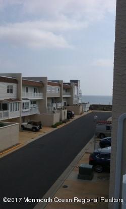6 Village Road, Sea Bright, NJ 07760 (MLS #21732821) :: The Dekanski Home Selling Team