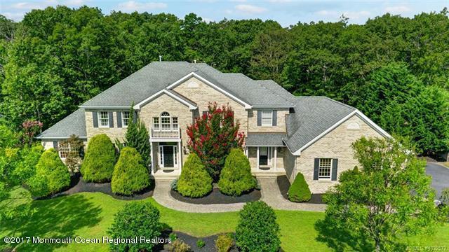 188 Kristine Avenue, Manahawkin, NJ 08050 (MLS #21733980) :: The Dekanski Home Selling Team