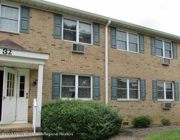 32 Manchester Court D, Freehold, NJ 07728 (MLS #21734209) :: The Dekanski Home Selling Team