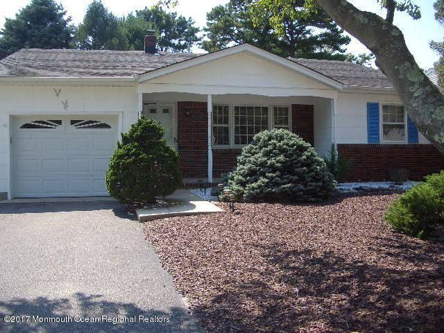 7 Zeeland Drive, Toms River, NJ 08757 (MLS #21734835) :: The Dekanski Home Selling Team