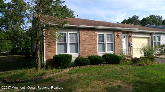 176 Arlene Court #1000, Lakewood, NJ 08701 (MLS #21735246) :: The Dekanski Home Selling Team