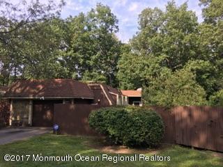 33 Blue Bird Lane, Howell, NJ 07731 (MLS #21735783) :: The Dekanski Home Selling Team