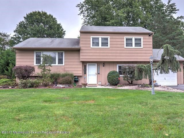 19 Whitman Boulevard, Manalapan, NJ 07726 (MLS #21736708) :: The Dekanski Home Selling Team