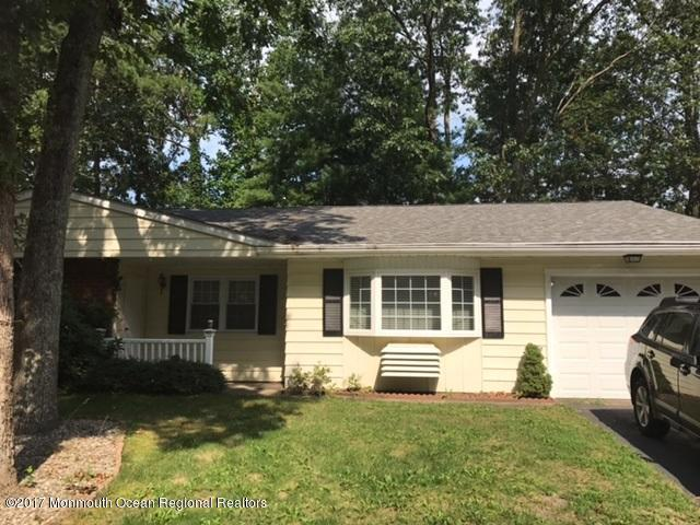 6 Iowa Drive A, Whiting, NJ 08759 (MLS #21736958) :: The Dekanski Home Selling Team
