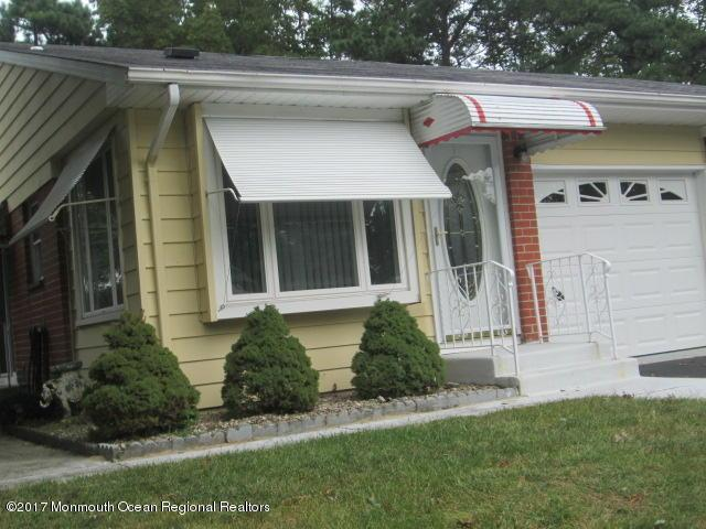 5 Valley Forge Drive A, Whiting, NJ 08759 (MLS #21738021) :: The Dekanski Home Selling Team