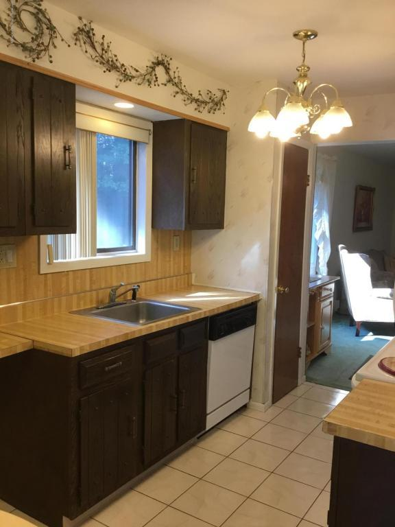 135 Amberly E, Manalapan, NJ 07726 (MLS #21738164) :: The Dekanski Home Selling Team