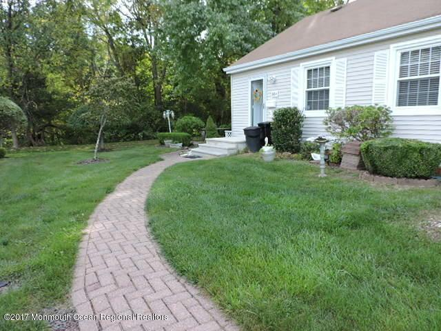 106a Ragley Hall Road, Freehold, NJ 07728 (MLS #21738252) :: The Dekanski Home Selling Team
