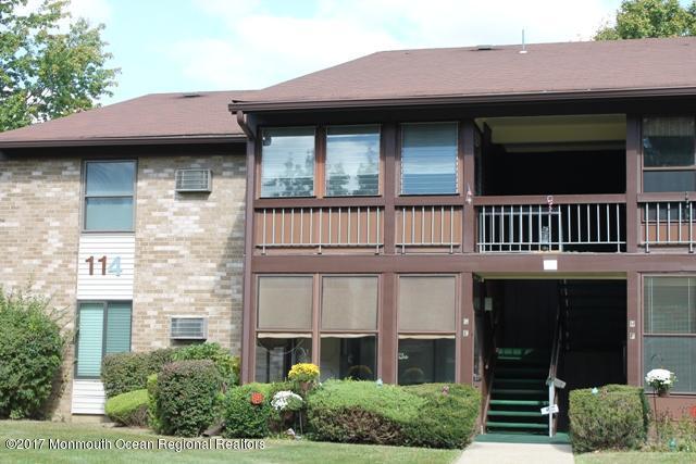 114 Amberly Drive G, Manalapan, NJ 07726 (MLS #21738380) :: The Dekanski Home Selling Team