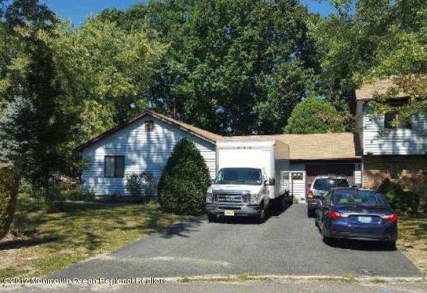 9 Swan Road, Howell, NJ 07731 (MLS #21738770) :: The Dekanski Home Selling Team