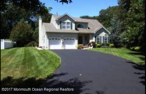 21 Jacqueline Court, Lanoka Harbor, NJ 08734 (MLS #21739067) :: The MEEHAN Group of RE/MAX New Beginnings Realty