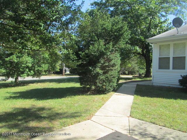 140 Azalea Drive A, Whiting, NJ 08759 (MLS #21739302) :: The Dekanski Home Selling Team