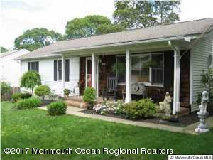 516 Crestview Terrace, Point Pleasant, NJ 08742 (MLS #21739818) :: The MEEHAN Group of RE/MAX New Beginnings Realty