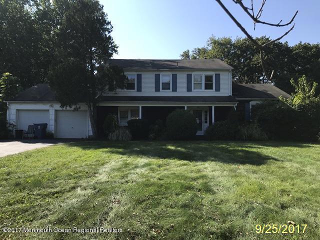 26 Coventry Drive, Freehold, NJ 07728 (MLS #21739904) :: The Dekanski Home Selling Team