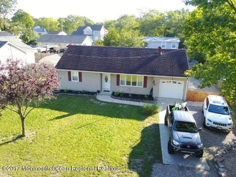 1752 Longwood Drive, Forked River, NJ 08731 (MLS #21739999) :: The MEEHAN Group of RE/MAX New Beginnings Realty