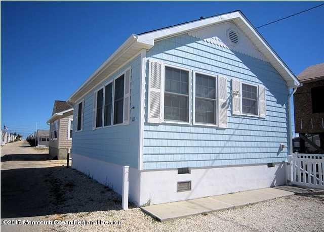 123 W Swordfish Way, Lavallette, NJ 08735 (MLS #21740100) :: The Dekanski Home Selling Team