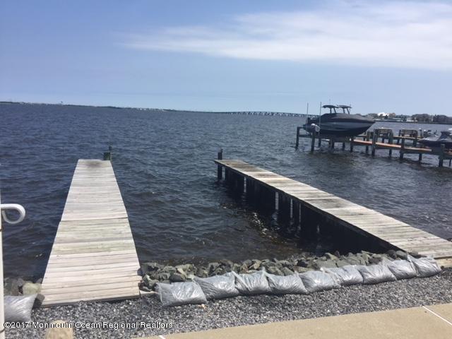 16 Captains Drive, Toms River, NJ 08753 (#21740561) :: Daunno Realty Services, LLC