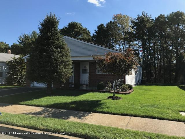 201 Freeport Boulevard, Toms River, NJ 08757 (MLS #21741460) :: The Dekanski Home Selling Team