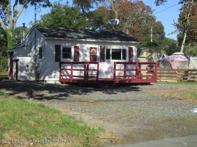 523 Parkside Avenue, Toms River, NJ 08753 (MLS #21742032) :: The Dekanski Home Selling Team