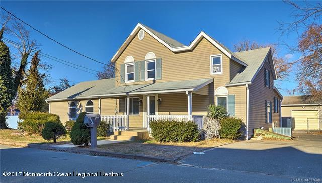 106 Chestnut Street, Forked River, NJ 08731 (MLS #21746308) :: The MEEHAN Group of RE/MAX New Beginnings Realty