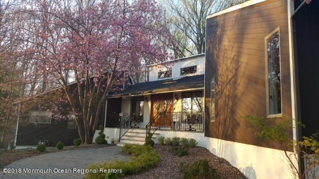 6 Chamonix Lane, Morganville, NJ 07751 (MLS #21813233) :: The Dekanski Home Selling Team