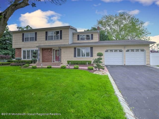 10 Wren Terrace, Marlboro, NJ 07746 (MLS #21822247) :: The Dekanski Home Selling Team
