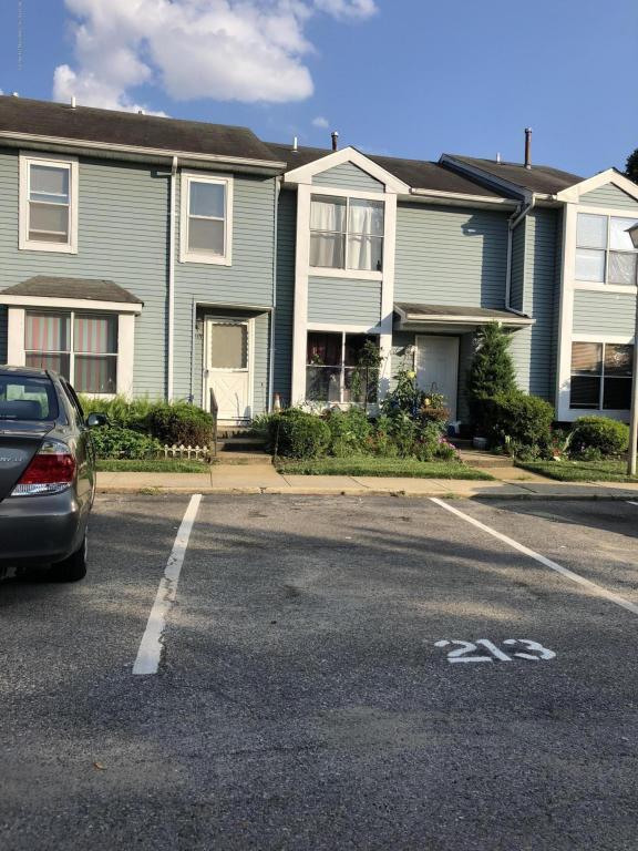 215 Woodlake Manor Drive, Lakewood, NJ 08701 (MLS #21829985) :: The MEEHAN Group of RE/MAX New Beginnings Realty