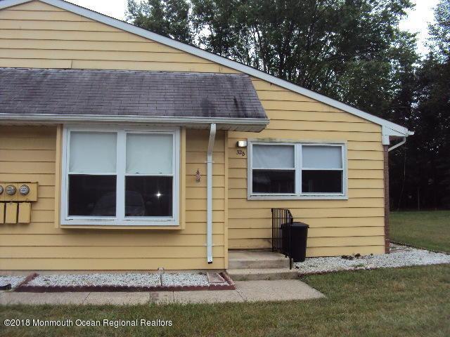 32 Yorktowne Parkway B, Whiting, NJ 08759 (MLS #21836832) :: The Dekanski Home Selling Team