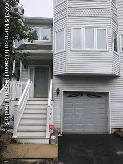 295 Marigold Court, Toms River, NJ 08753 (MLS #21842036) :: The MEEHAN Group of RE/MAX New Beginnings Realty